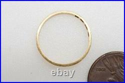 ANTIQUE VICTORIAN ENGLISH 18K GOLD ENGRAVED SLIM WEDDING BAND RING c1873