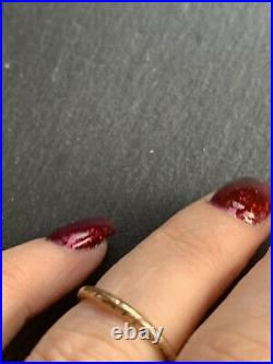 Antique 9ct Yellow Gold Engraved Wedding Band Ring