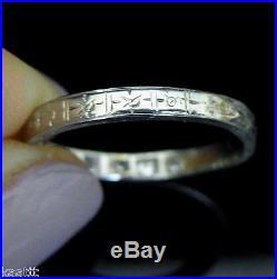 C. 1925 Art Deco Diamonds 18k White Gold Wedding Band Ring Engraved Vintage