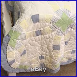 Handmade Vintage Double Wedding Ring Estate Purchased Quilt Blanket White Queen