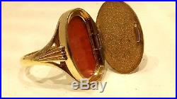 SUPER, 1970s VINTAGE ENGRAVED 9CT YELLOW GOLD LOCKET SIGNET RING, SIZE M 1/2