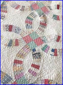 Vintage Wedding Ring Quilt, Hand Stitched, 1930-1940, Pink / White / Aqua / Mult